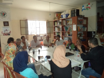 Parents of Shatila youth hold their own conversation about what they perceive as the negative elements hindering the growth of their children.
